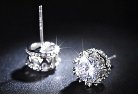 Verzilverde stud oorbellen met swarovski elementen nu slechts €3,95