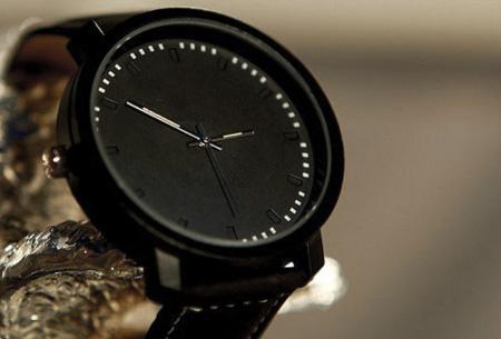 Black & White horloges nu slechts €8,95 | Met trendy grote wijzerplaat!  Zwart
