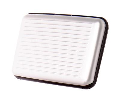Pasjeshouder 1+1 GRATIS | Al je pasjes veilig en geordend zilverkleurig