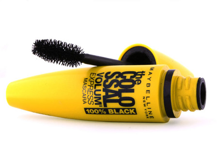 Maybelline Colossal Volum'Express mascara's nu met mega korting! Set van 2 slechts €12,95 Colossal Extra Black