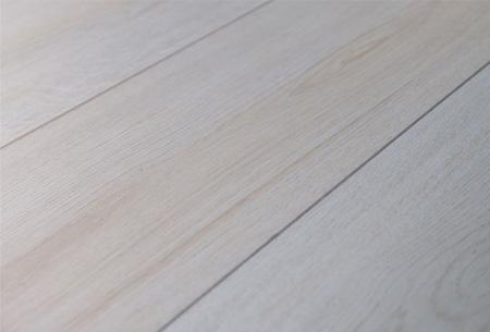 Laminaat van topkwaliteit nu slechts €8,95 per m2 | Optioneel met bijpassende plinten en ondervloer