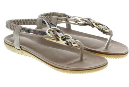 Evi slippers | Voor de ultieme Ibiza look, met lekker zacht voetbed! Taupe