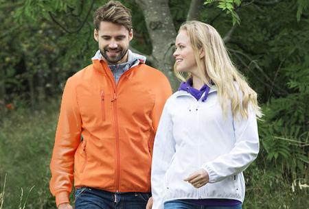 Clique Softshell jackets voor hem en haar nu slechts €34,95 | Beschermt je tegen weer en wind!