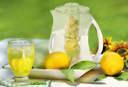 Waterkan met fruitfilter nu slechts €14,95 | Maakt water een stuk lekkerder!