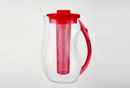Waterkan met fruitfilter nu slechts €14,95   Maakt water een stuk lekkerder!  Rood