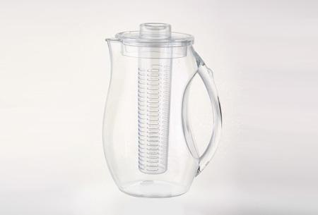 Waterkan met fruitfilter nu slechts €14,95   Maakt water een stuk lekkerder!  Transparant