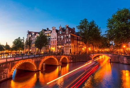 Rondvaart met Amsterdam Boat Experience tijdens Amsterdam Light Festival