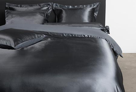 Satijnen dekbedovertrek | Fijne, zachte stof en ook nog eens goed voor je huid en haar! Antraciet