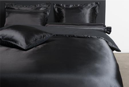 Satijnen dekbedovertrek | Fijne, zachte stof en ook nog eens goed voor je huid en haar! Zwart