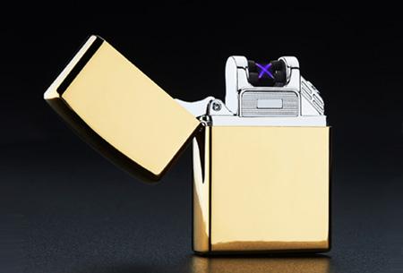 Klassieke aansteker   Oplaadbaar via USB zonder brandstof Goudkleurig