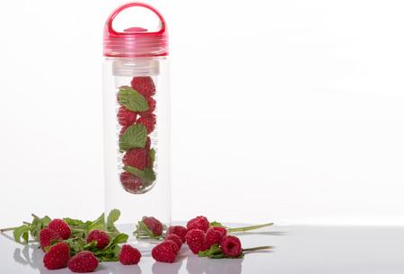 Friska waterfles met fruitfilter | Maakt water een stuk lekkerder!  Roze