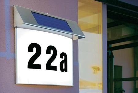LED verlichte huisnummer op zonne-energie t.w.v. €79,95 nu €19,95