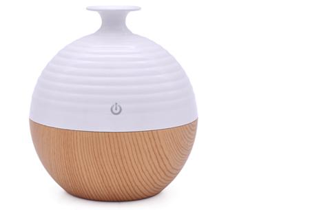 Aroma geurverspreider & luchtbevochtiger met LED verlichting . lichtbruin