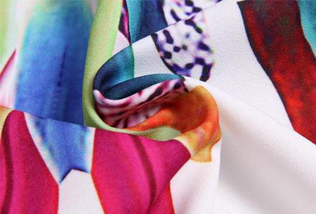 Colorful feather jurk | Kleurrijke & zomerse musthave met verenprint