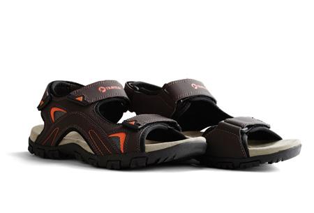 Travelin slippers & sandalen | Voor heren en dames in maat 36 t/m 46  Heren - Volda bruin