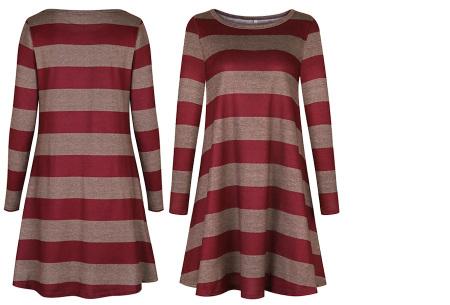 Comfy Stripe jurk | Jurken die je ook kunt dragen wanneer het kouder is buiten.  Wijnrood