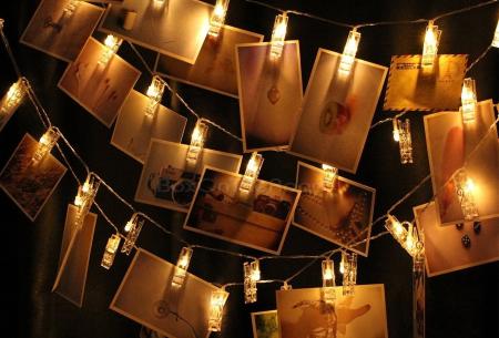 LED lichtslinger voor foto's of kerstkaarten | Sfeervolle slinger met lichtgevende knijpers