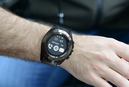 Solid smartwatch | Bedien je smartphone via deze multifunctionele Bluetooth smartwatch!