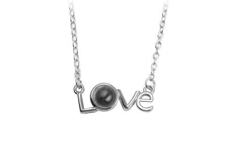 I love you ketting | De tekst 'I love you' in 100 verschillende talen geprojecteerd #3 zilverkleurig