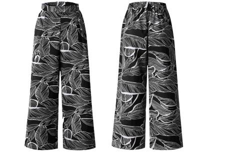Tropical comfy broek | Luchtige zomerbroek met wijde pijpen en tropische print zwart