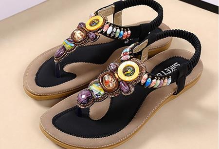 Sandalen of teenslippers met bohemian look