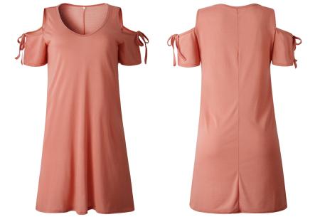 T-shirt jurk met open schouders | Hip zomerjurkje met soepelvallende pasvorm roze