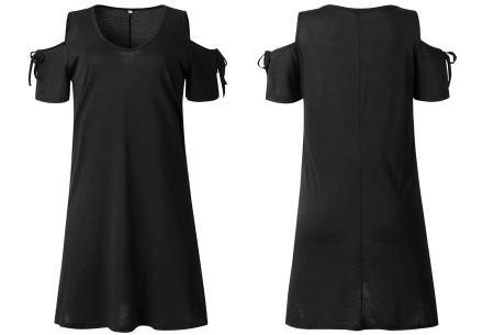 T-shirt jurk met open schouders | Hip zomerjurkje met soepelvallende pasvorm zwart