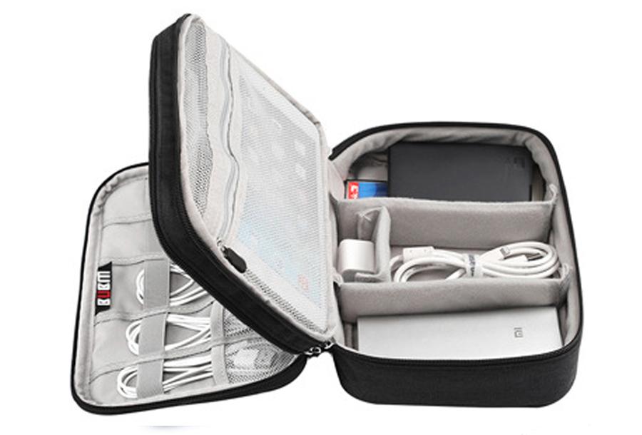 Reistasje voor kabels en gadgets Double XL - zwart