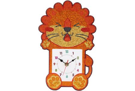 Diamond painting kinderklokken | Maak zelf de allermooiste klokken voor in de kinderkamer! Leeuw