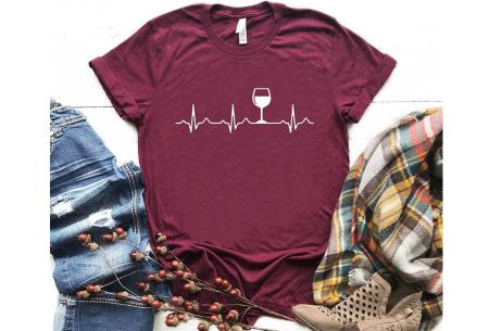 Dames T-shirt met koffie- of wijnopdruk | Hilarisch shirt voor koffie- of wijnliefhebbers Wijn - wijnrood