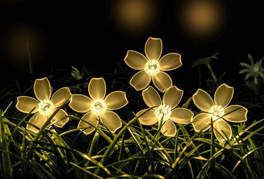 Solar led-lichtslinger met bloemen of bijen Bloemetjes - warm wit licht - 6,5 meter