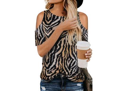 Trendy T-shirt met print | Open schouder top - In 6 printjes  Zwart/bruin