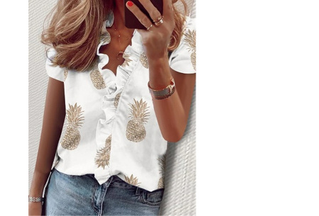 Ruffle V-hals top | Trendy dames t-shirt voor een vrouwelijke look ananas