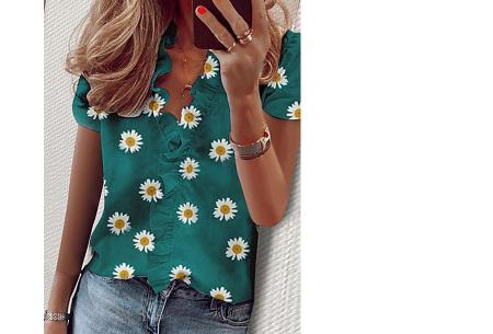 Ruffle V-hals top | Trendy dames t-shirt voor een vrouwelijke look madelief groen