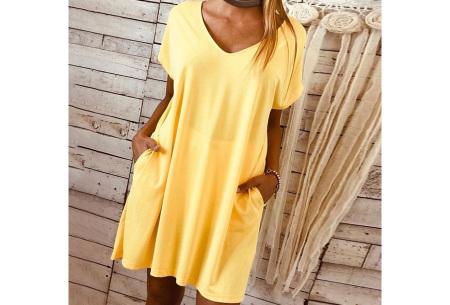 Basic T-shirt jurk | Losvallende strandjurk met zakken Geel