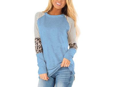 Dames top met lange mouwen   Trendy en origineel shirt met gedeeltelijke prints Lichtblauw