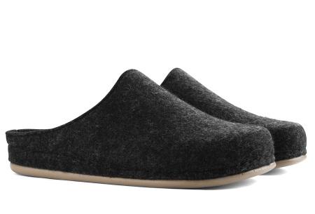 Heren & dames pantoffels van Travelin   Wollen sloffen met grip- en slijtvaste rubberen zool Donkergrijs