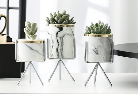 Marmerlook bloempot op standaard | Trendy plantenpot voor binnen! Zilverkleurig