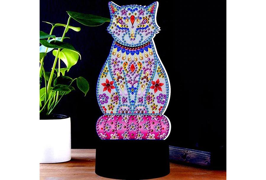 DIY Diamond painting lamp Kat