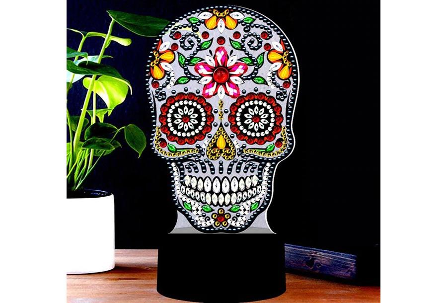 DIY Diamond painting lamp Skelet