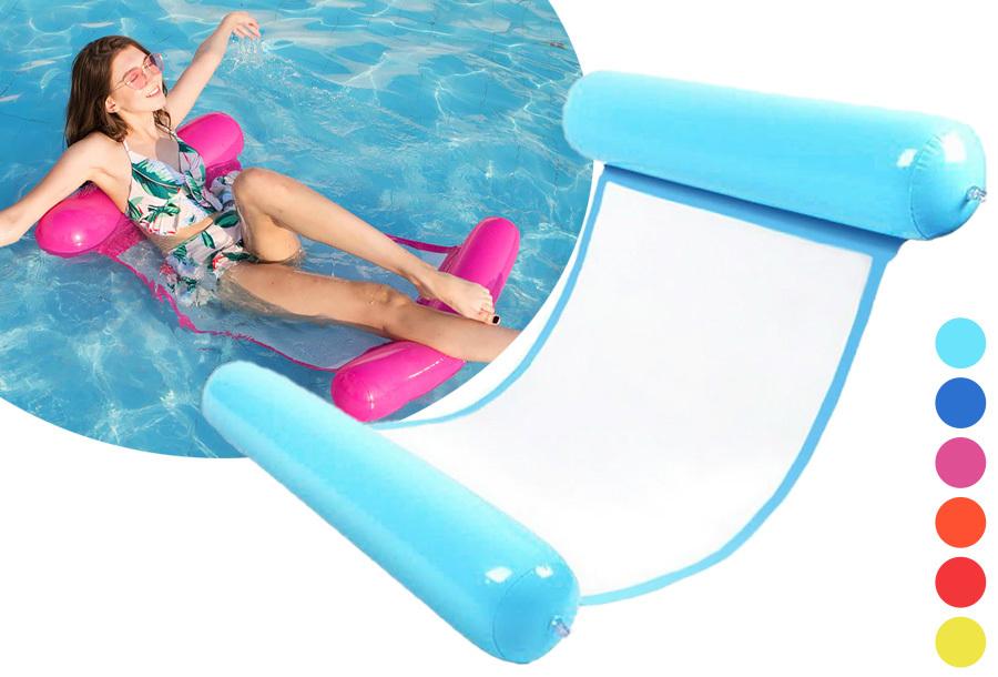 Luchtbed voor in het zwembad