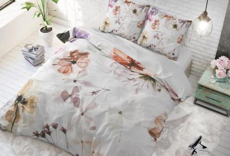 Dekbedovertrek van Dreamhouse   Katoenen dekbedovertrek met print Lovely flowers