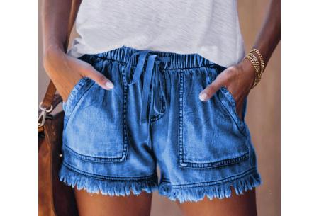 Denim short   Korte damesbroek van jeansstof - in 5 kleuren Donkerblauw