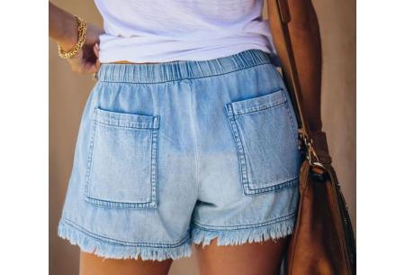 Denim short   Korte damesbroek van jeansstof - in 5 kleuren