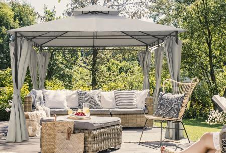 Luxe tuinpaviljoen van Intimo Garden   Knus prieel met zijdoeken en ledverlichting  Beige