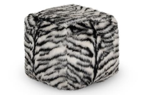 Furry zitzak van Your Basics | Keuze uit 17 kleuren en 3 modellen in diverse maten Zebra - poef rond